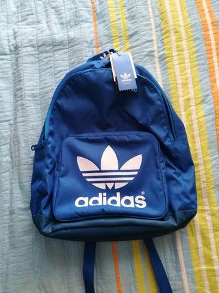 mochila adidas azulón