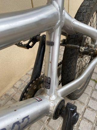 Bicicleta Monty BMX (2007)