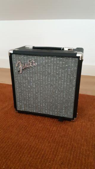 Amplificador para bajo Fender Rumble 15