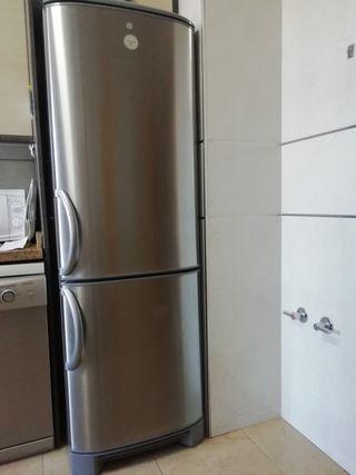 Vendo frigorífico combi, marca electrolux
