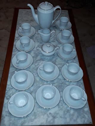 Juego de café de 12 Servicios Porcelana. NUEVO