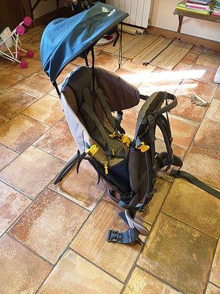 mochila portabebes de montaña