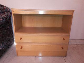Mueble de madera para la tele