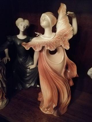 Figura tengra mujer