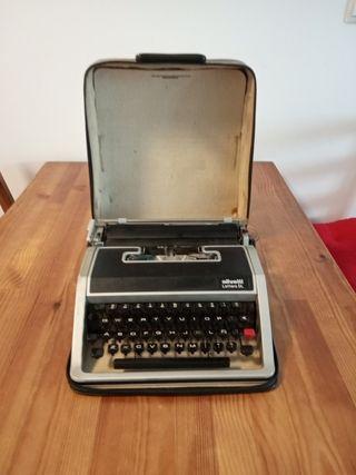 Máquina de escribir Olivetti Lettera DL (1965)
