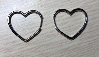 Pendientes en forma de corazón de plata 925