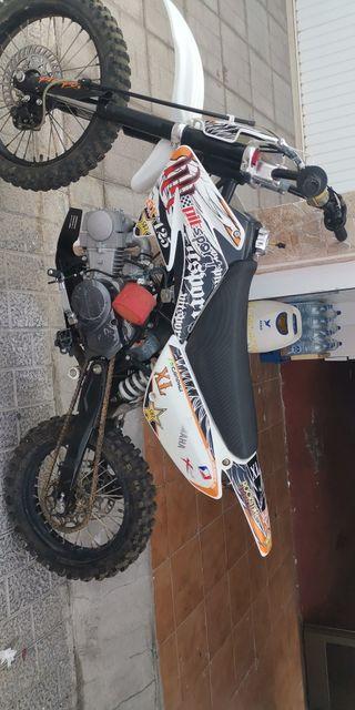 Se vende pit bike 125