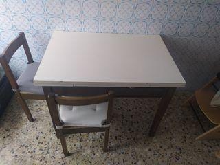 Mesa de cocina + 4 sillas