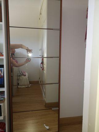 zapatero de espejo en perfecto estado.