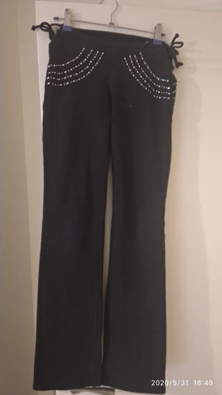 pantalon tachuelas Lycra