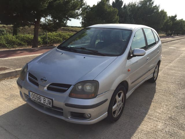 Nissan Almera Tino 2002