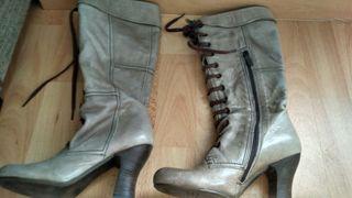 Botas grises de tacón N°35