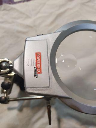 lupa powerfix con dos led de iluminacion