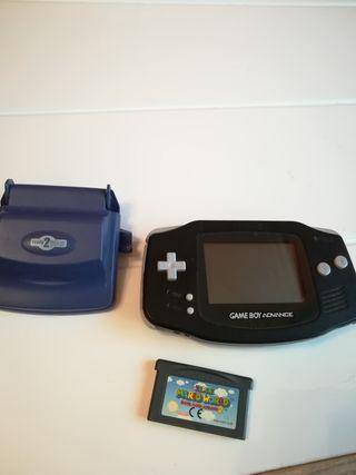 Game Boy advance clásica con Super Mario World 2