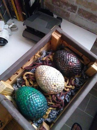 Juego de tronos,huevos de dragón khaleesi