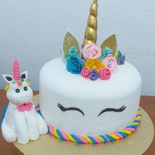Tarta de unicornio de 7 colores por dentro