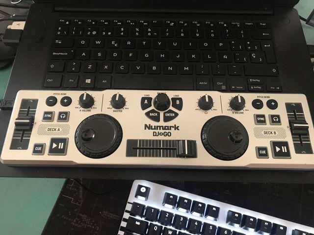 Numark DJ go