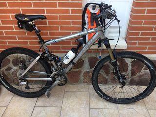 Bicicleta MTB Trek doble suspensión