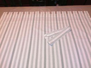 cortina... con lazo... regalo cojin almohada