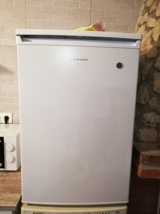 frigorífico pequeño tomson