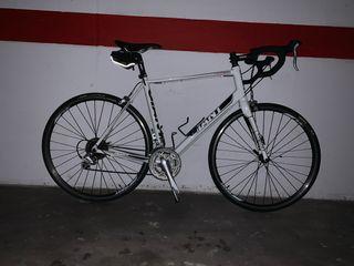 Bicicleta carretara Giant