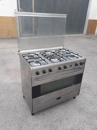 cocina industrial de 5 fuegos