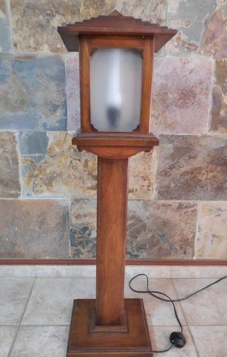 Lámpara forma farola