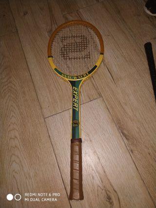 raqueta de bádminton