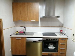 muebles de cocina, campana y placa vitroceramica