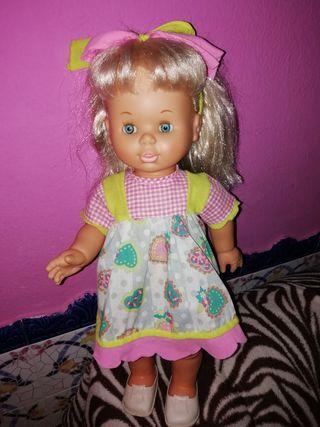 muñeca 40 centímetros