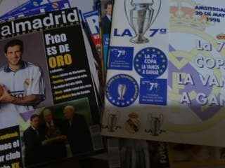 Lote Revistas Real Madrid años 90 (38 en total).