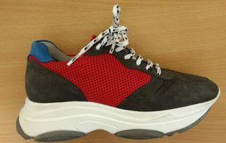 Zapatillas Sneakers con plantilla alta.