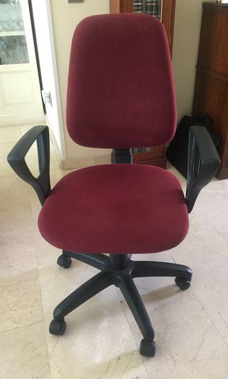 Silla escritorio/oficina ergonómica, reposabrazos