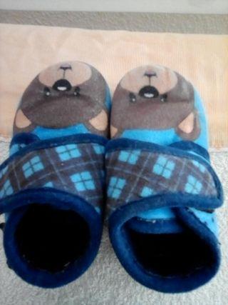 Zapatillas de andar por casa T20