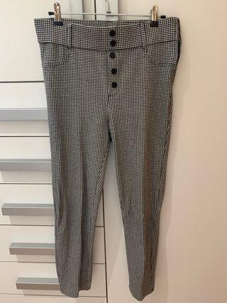 Pantalones a cuadrados elásticos