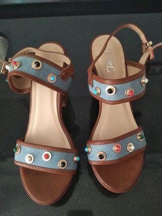 sandalias de tacón, número 40