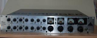 Tubo Composer Behringer T1952