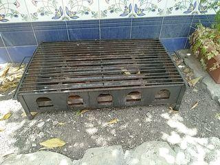 Barbacoa exterior de hierro