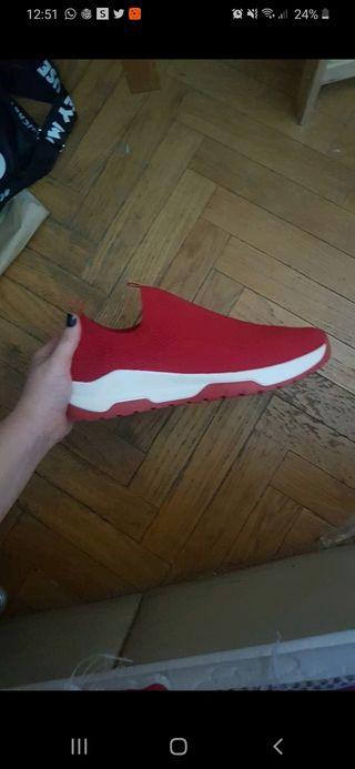 zapatillas rojas rejilla