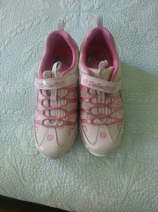 Zapatillas deportivas Skechers. T33.5