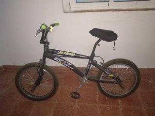 BMX con frenos