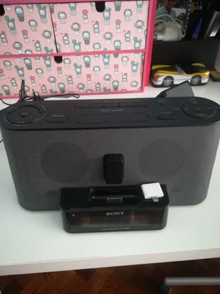 reloj despertador con radio y carga de movil