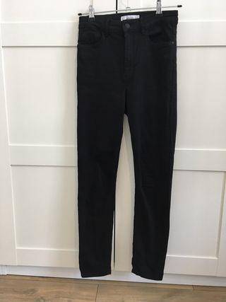 Pantalón vaquero negro Mango talla 36