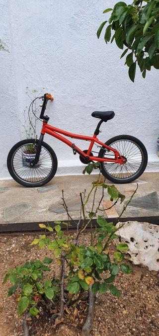 Bicicleta MONTY BMX .
