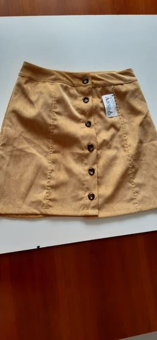 Falda color moztaza