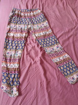 Pantalón hippie