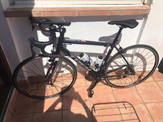 Bicicleta Trek de carretera sin apenas uso