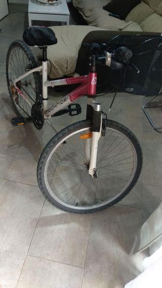 bici montaña mujer