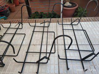 Soporte jardinera balcón