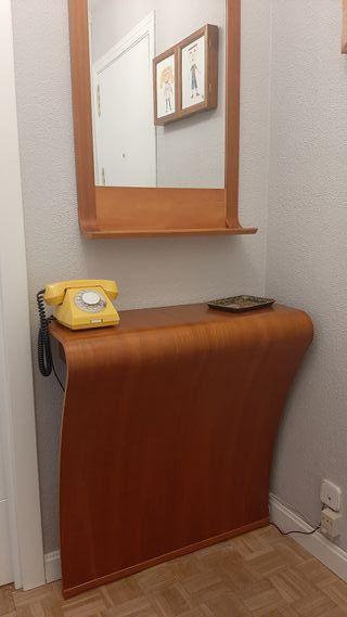 Recibidor y espejo de entrada